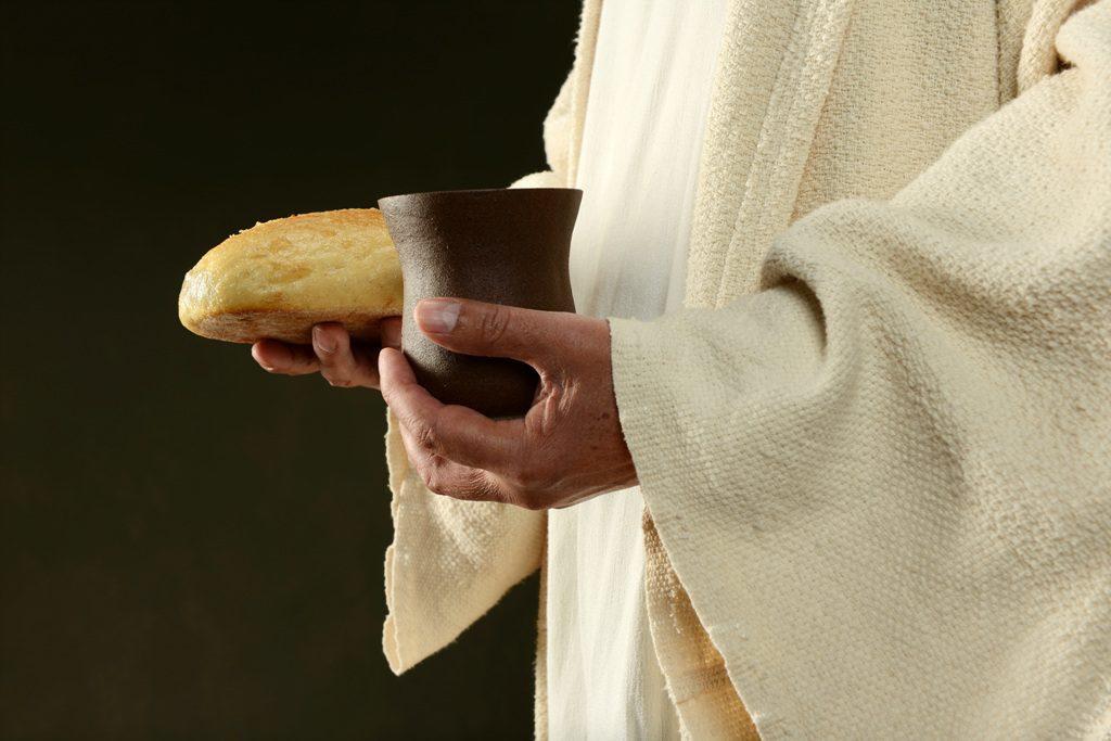 预表着耶稣的牺牲——逾越节饼和葡萄酒